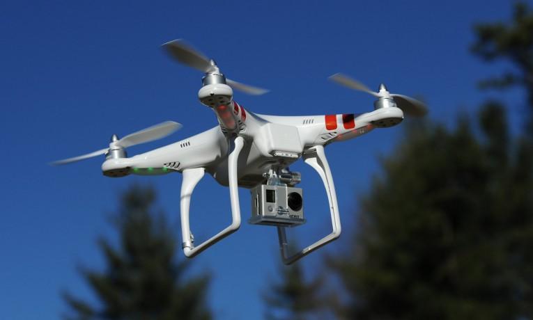 Dron od Xiaomi kontrolowany opaską Miband